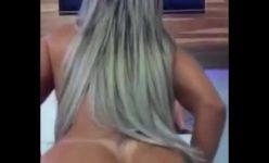 Prostituta Bunduda cavalgando com tesão no colo do seu Cliente Filhinho de Papai