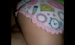 Novinha fudendo com o primo ainda de pijama