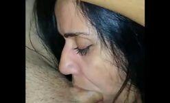 Caiu na net garganta profunda da esposa boqueteira de 32 anos