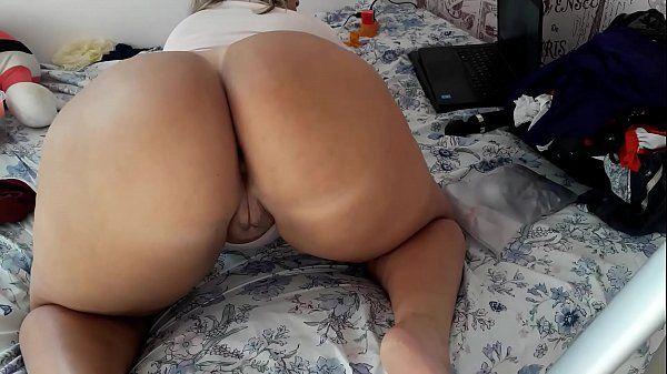 Garota de Programa rabuda de Minas Gerais se exibindo ao vivo na webcam