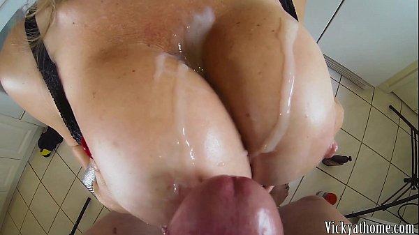 Sexo espanhola muito gostosa com a coroa loira peitudona